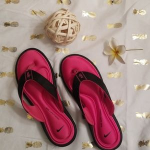 Nike women's comfort footbed pink & black